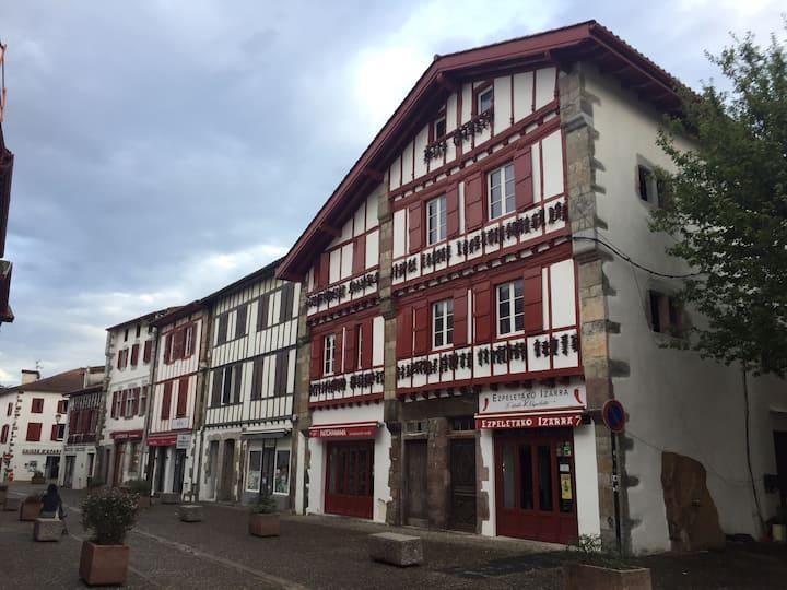 Appartement 3 pièces plein centre ville Espelette