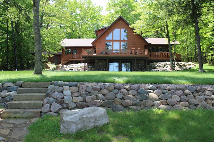 Catfish Lake Retreat - Eagle River - Huis