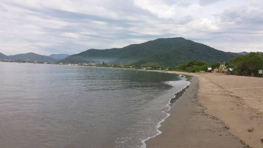 Praia da Barra Seca (3 min. a pé de casa), Ubatuba,-