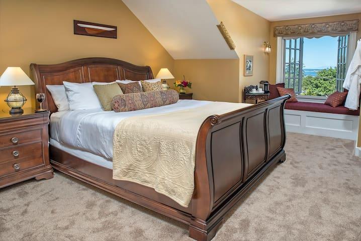 Ravenscroft Inn - Admiralty Suite w/ensuite bath - Port Townsend - Bed & Breakfast