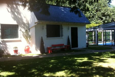 Villa mit privatem Pool - Belloy-en-France