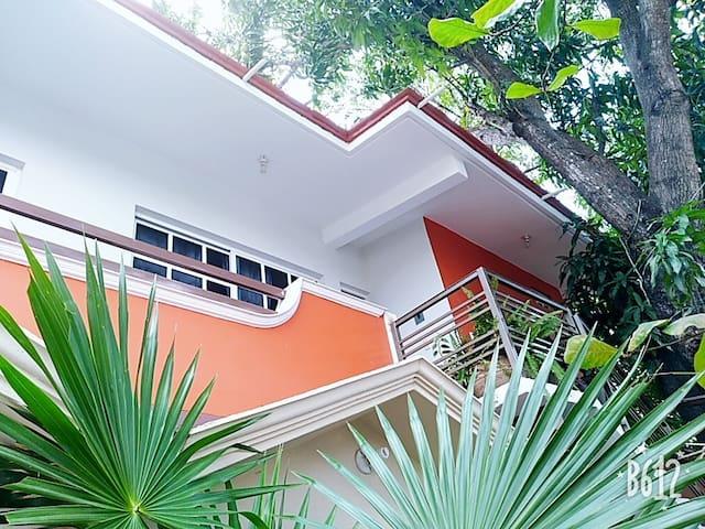 Cómoda,relajada y equipada casa,ideal p/ familias