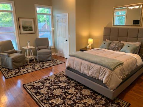 Delightful 1 Bedroom Apartment in Historic Home *3