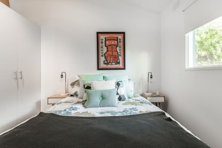 Queen size bed sleeps 2 and built-in robes. Equipped with reverse cycle heating and cooling.