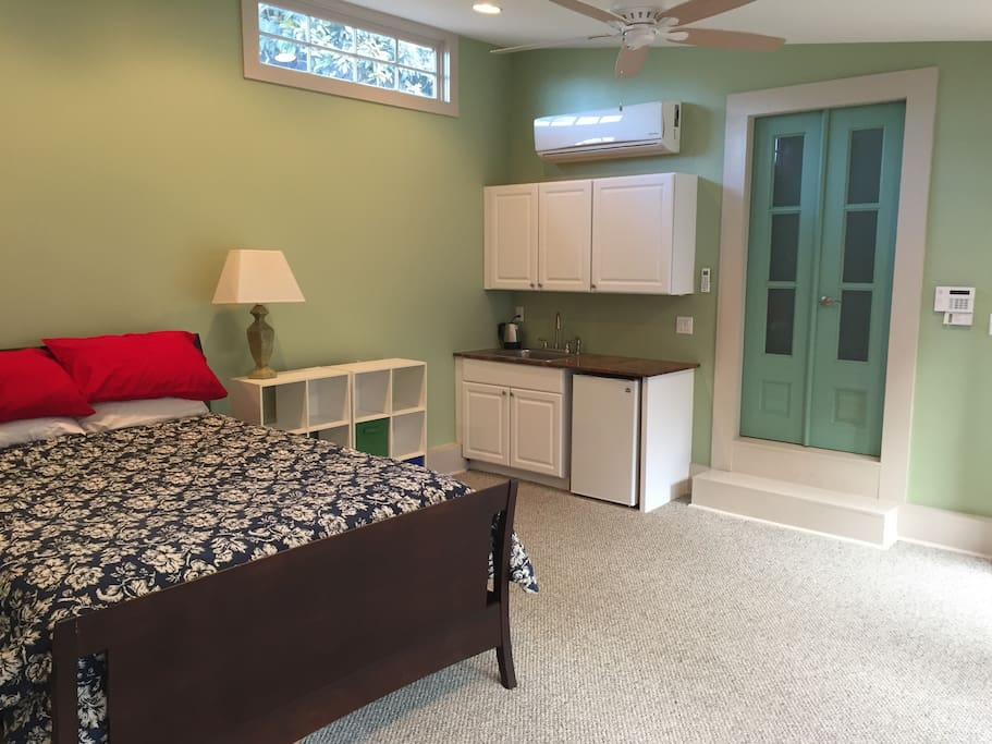 The studio apartment includes a kitchenette, with coffee and tea makers and a microwave oven.
