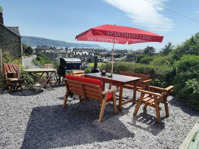 BARMOUTH Apartment with SEA VIEW  3 night min stay