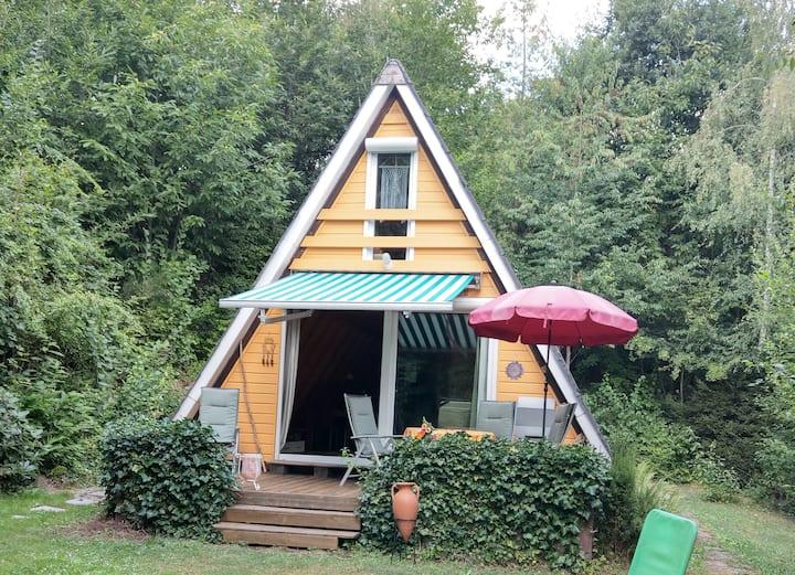 Gemütliches Nurdach-Ferienhaus im Pfälzerwald WLAN