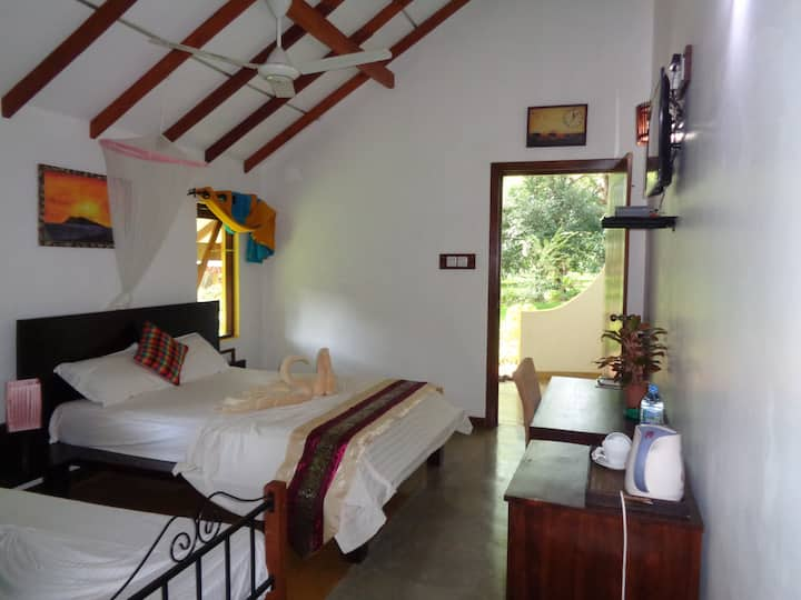 Rimaka Village Habarana Luxury Villa Room