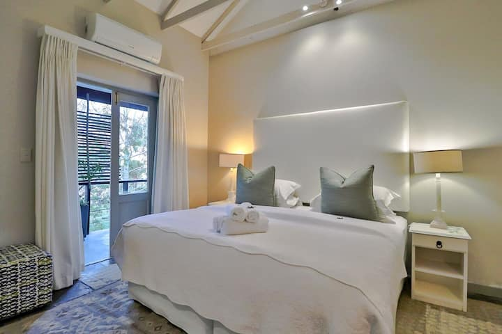 Standard Lodge Room