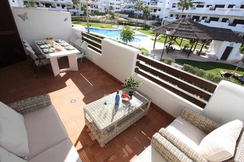 Casa Arena, large and nicely located apartment with communal swimming pool