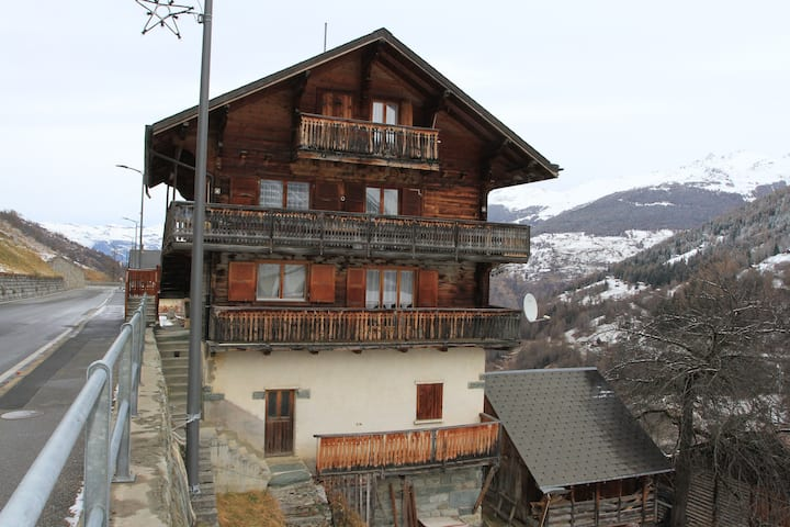 Appartement à 5 min des pistes de Ski