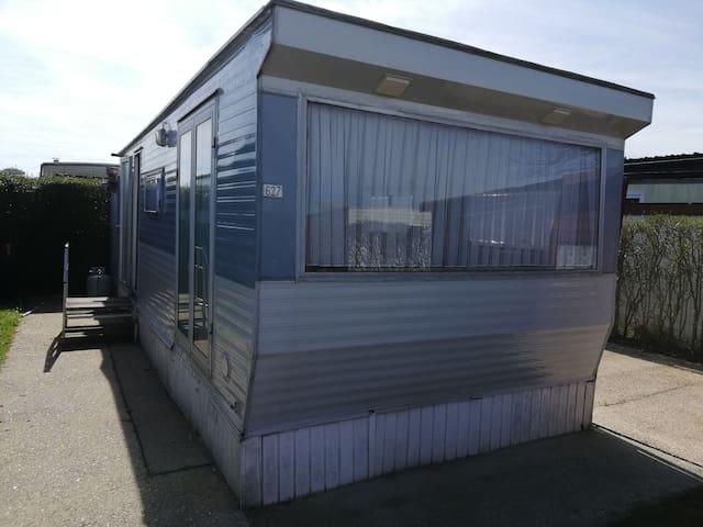 Charmante caravane à Nieuport (côte belge)