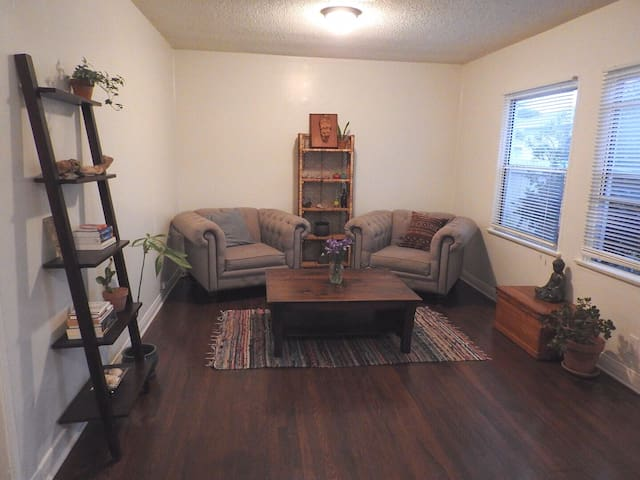 Spacious one bedroom home away from home!