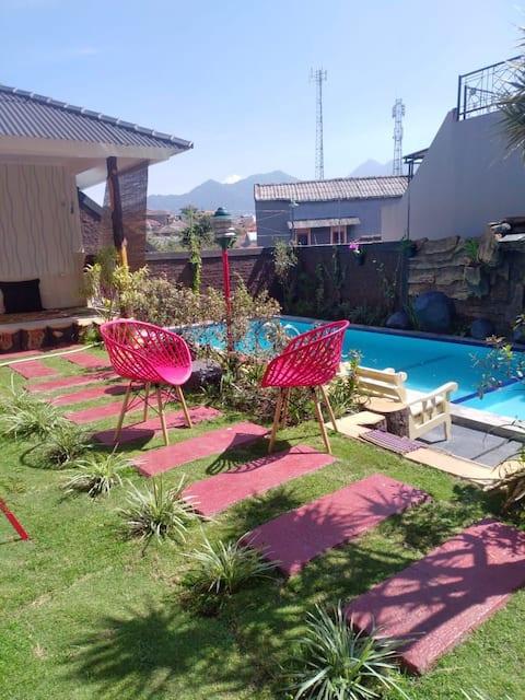 Villa Refi Cibodas