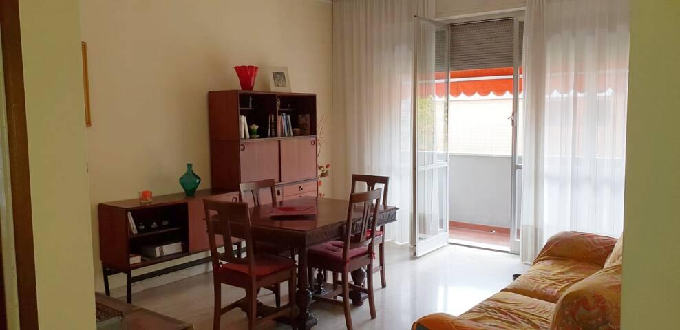 Silenzioso appartamento vicino a Fiera Rho Pero