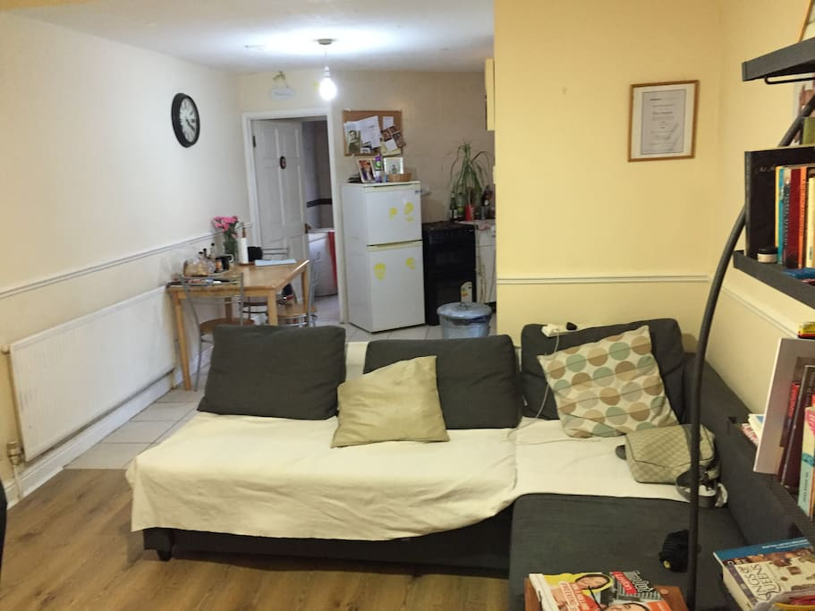 Lounge with Sofa Bed