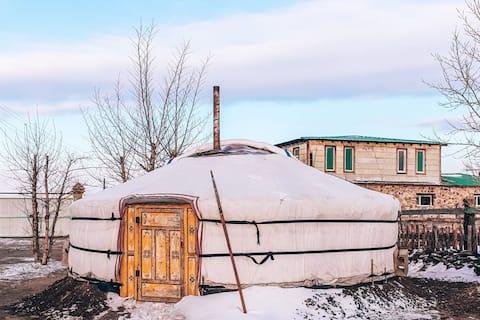 Minjee's yurt farm stay