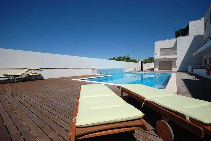 Excellent Apartment T2 with pool view - Santa Luzia - Apartament