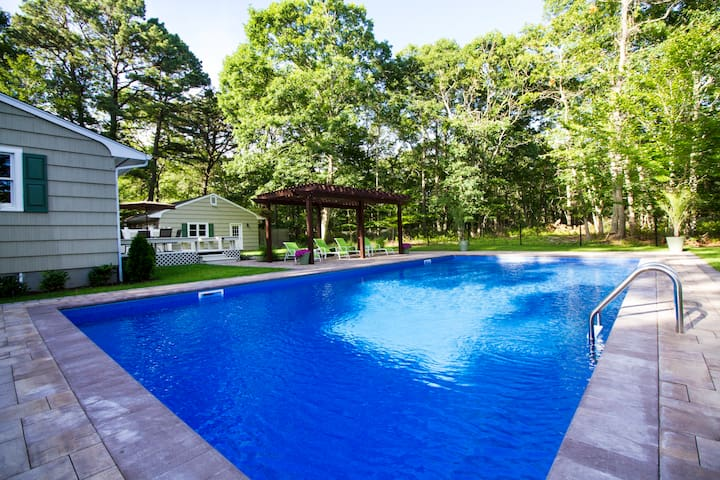 Beautiful Ranch with Salt waterpool - Southampton - Hus