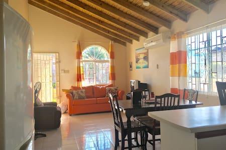 Gordon House, private vacation home - Montego Bay
