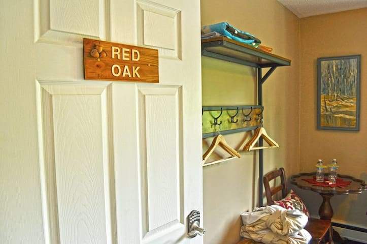 Centennial House BnB - Red Oak Room (Breakfast Included) - cozy, bright room with private 3-piece bathroom