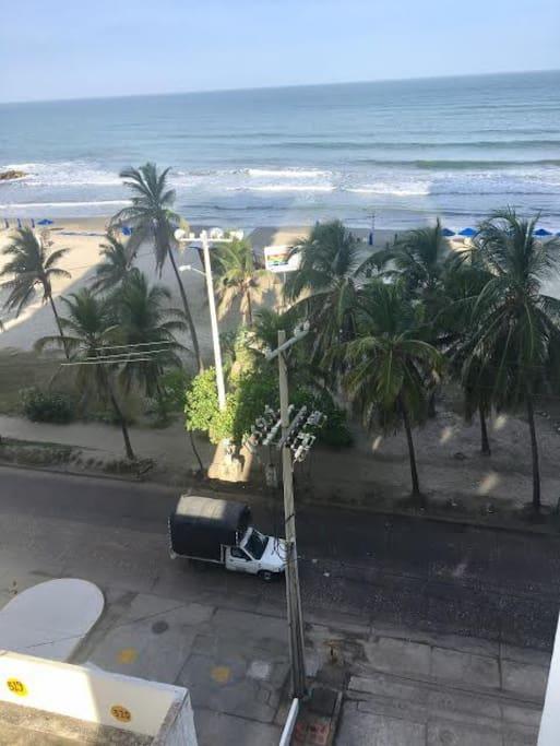 La playa al cruzar la calle
