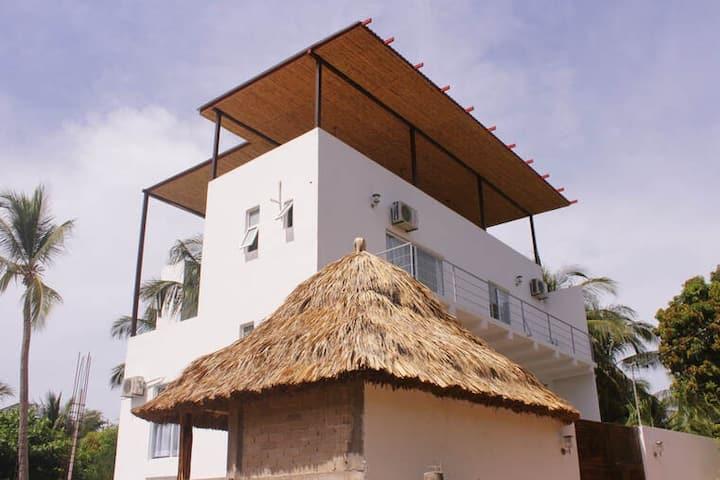 Casa de la Palmera- Coral Room!