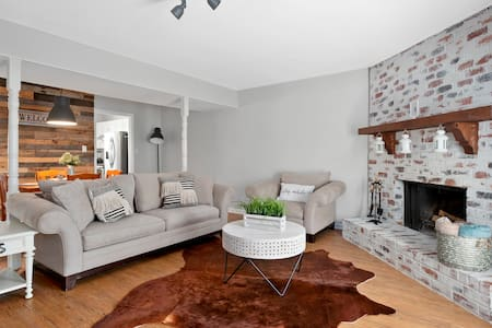 • Beautiful Townhome mins from ATL Braves & Roxy