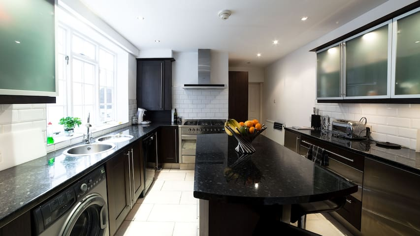 Large flat in town centre / 2 Bedroom / 2 Bathroom - Royal Leamington Spa - Daire