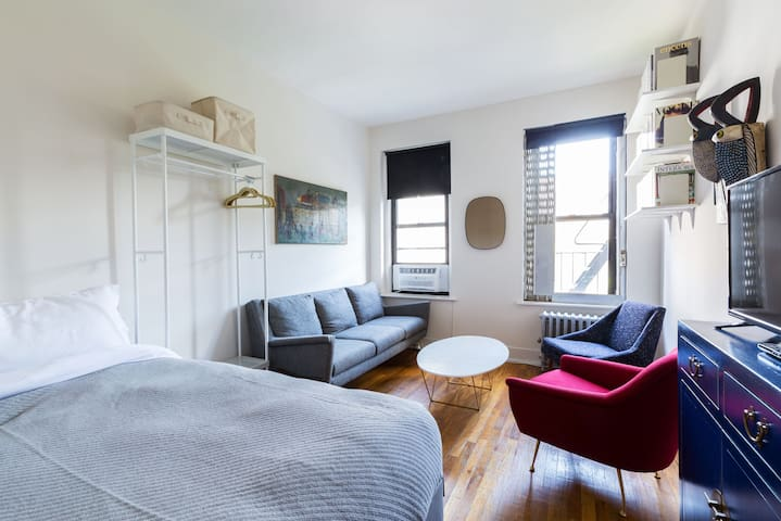 Bright 1 Bedroom in the East Village