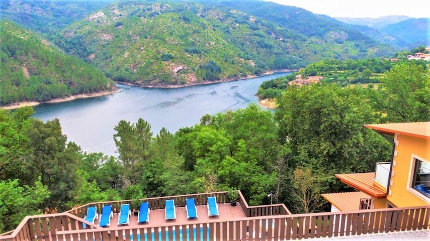 Gerês Palace with amazing lake view