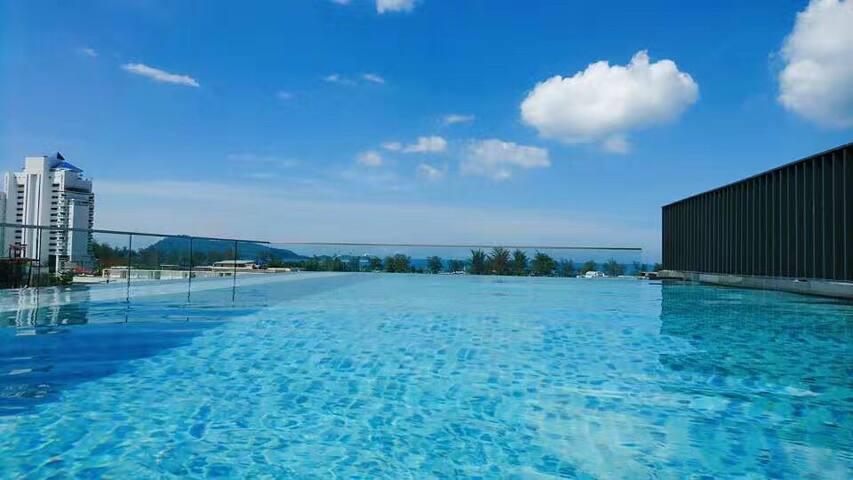 0.8m to Patong,  infinite swimming pools & gym