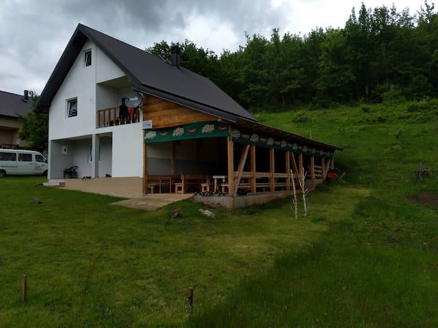 Leković Rafting Guesthouse - Triple Room*