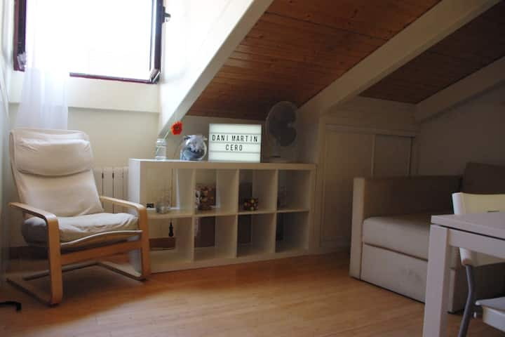 Lovely loft in city center! Very well communicated