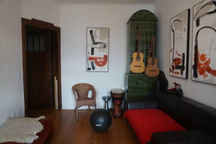 Große Wohnung, Charme, viel Licht und 2 Balkonen