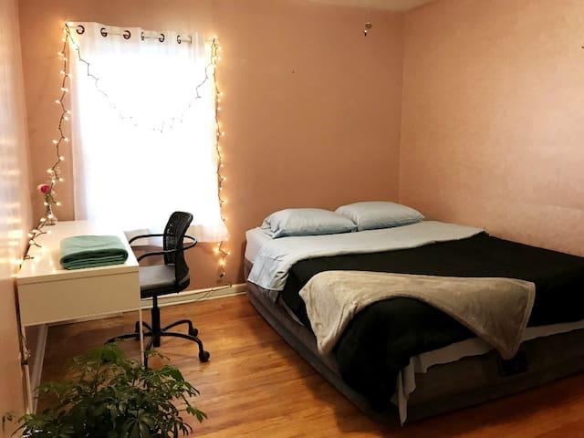 Dearborn Room Ixia