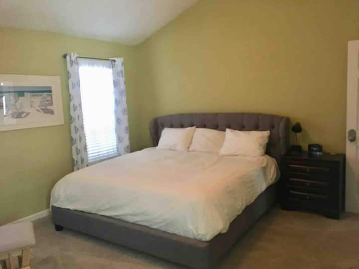 Master Bedroom in 3 Room Home Near Old Norcross