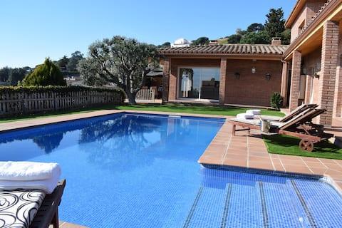 COZY AND QUIET MEDITERRANEAN HOUSE NEAR BARCELONA