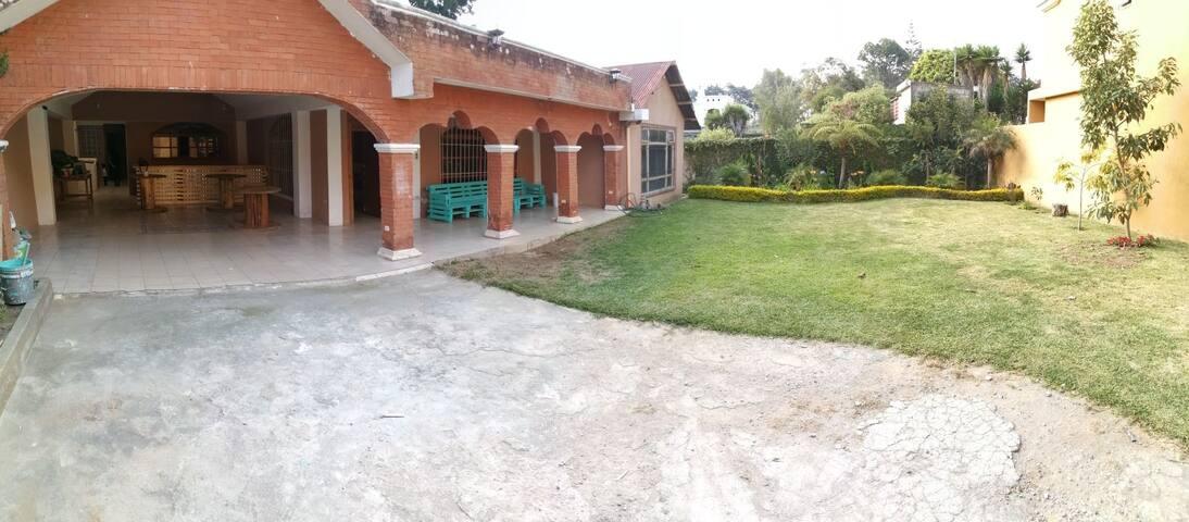 Villa El Paraíso cerca de la antigua