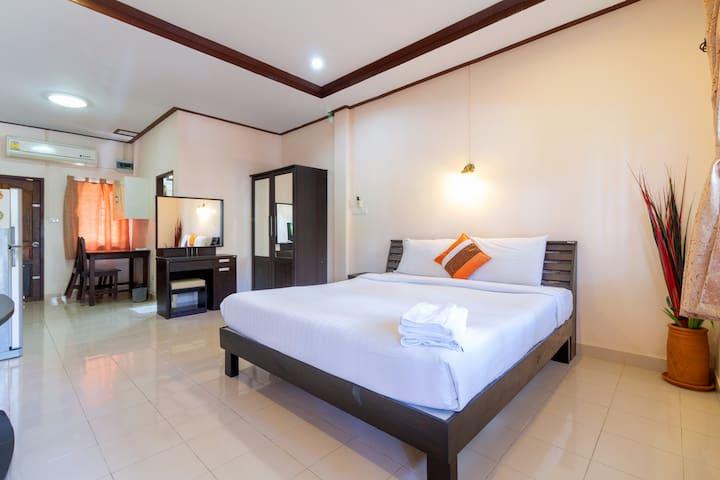 Apartment 50m to Beach Patio Standard