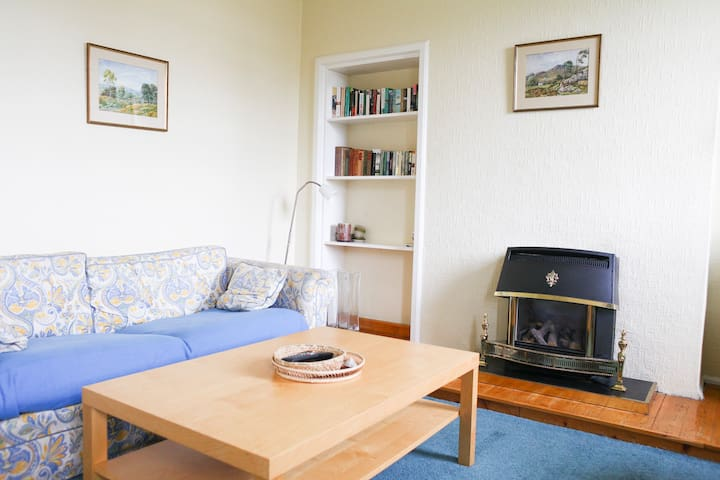 Self Catering - Bright and cozy