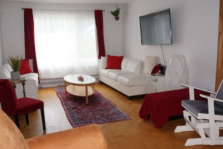Central AC, Pool, Fireplace, Jacuzi, Patio, 4Rooms
