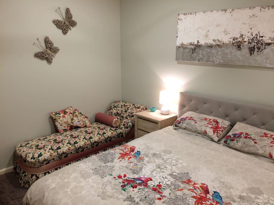 Waratah Room