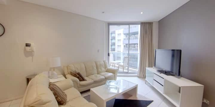 Central Station 1 Bedroom Apartment, Gym Pool 109h