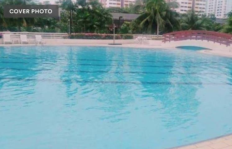 spacious condo with pool, wifi, mrt & food