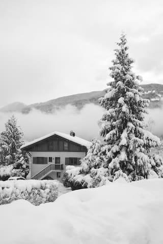 Chalet on the world's largest ski resort 3*** - Aime - Casa