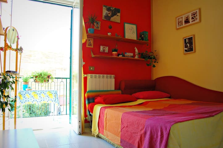 Casa Miele - Cosy double bedroom - - Grumo Nevano - Byt