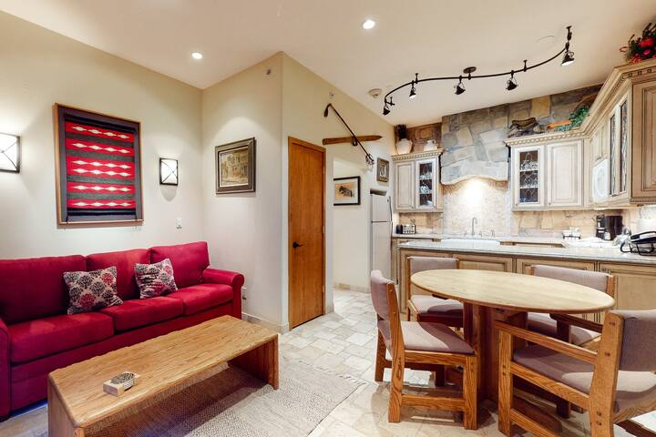 Eclectic ski-in/ski-out condo with shared on-site pool & hot tubs!