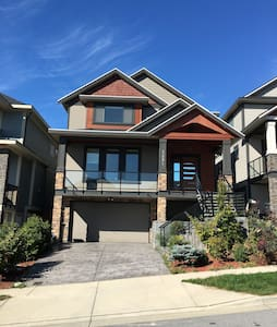2 bedroom suite in Burke Mountain - Coquitlam