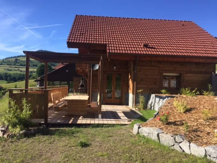Chalet capacité 2 à 6 p.  piscine intérieure sauna